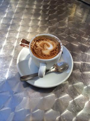 café en mesa